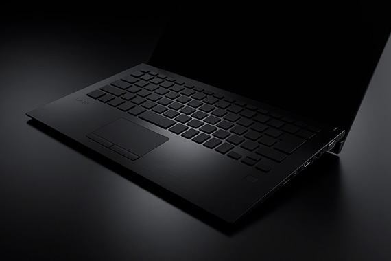 VAIO SX14のALL BLACK EDITION