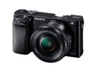 デジタル一眼カメラ「α6000」販売終了へ